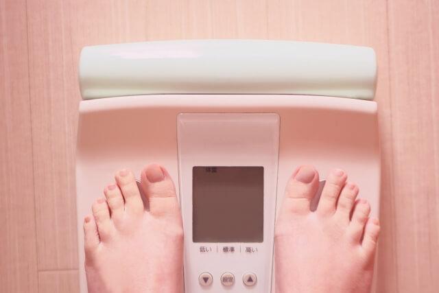 睡眠負債で太りやすくなる危険性