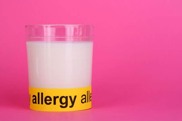 乳アレルギー・牛乳アレルギーと乳糖
