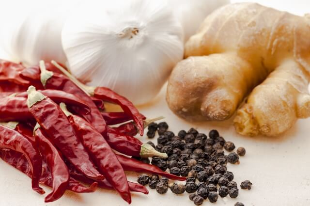 温活に効果がある食べ物生姜にんにく唐辛子
